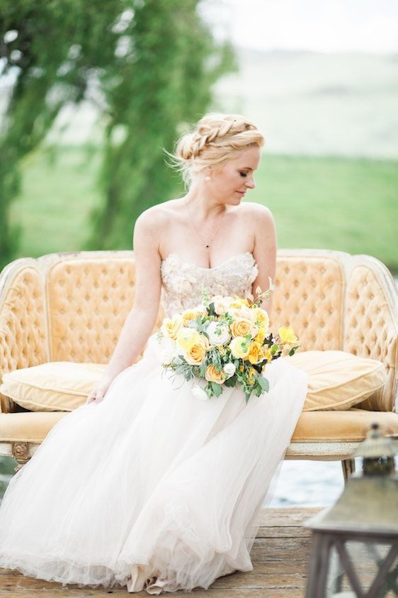 A Bohemian Bridal Session With a Gorgeous Nod to Modern Romance