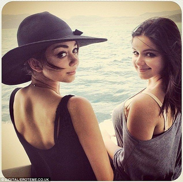 Ariel Winter and Sarah Hyland Prove Growing Up in Front of the Camera Is an Endless Obstacle
