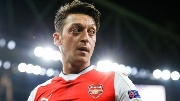 Ozil 'thinks he is being made scapegoat' for Arsenal problems