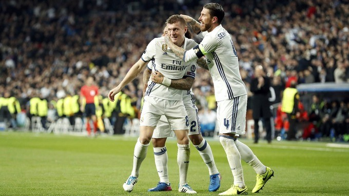 Real Madrid come from behind to beat Napoli