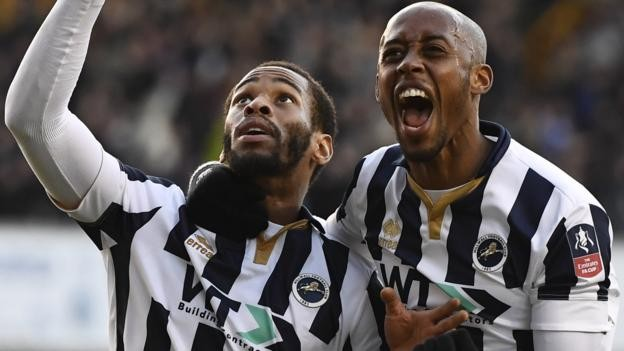 Ten-man Millwall knock out Leicester in last minute