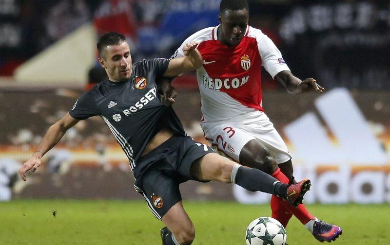 United plan defender signing