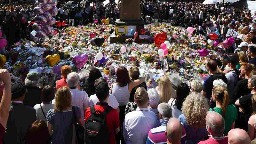 WATCH: Impromptu Song Shows Manchester's Resilience
