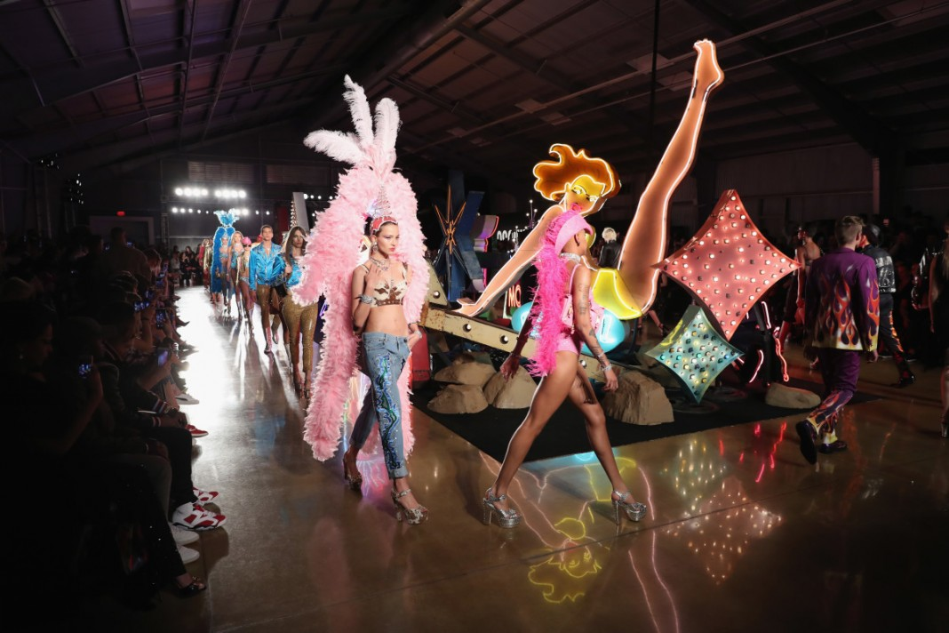 Jeremy Scott Explores Americana, From Los Angeles to Vegas, for His Latest Moschino Collection