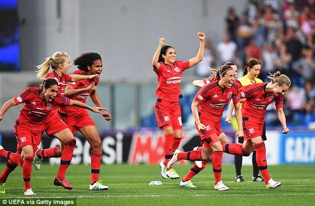 Lyon win women's CL final on pens