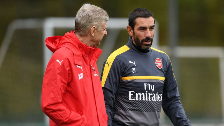 Pires wants Arsenal fans to unite