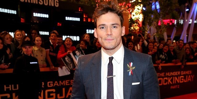 """Sam Claflin Talks About Facing Body Insecurities While Working in Hollywood: """"I Felt Like a Piece of Meat"""""""