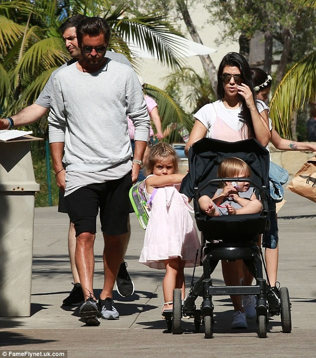 Scott Disick Admits He Doesn't Have Any Father's Day Plans While Partying in Las Vegas