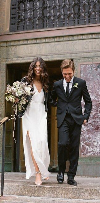 12 Minimalist Wedding Moments That Prove Less is More