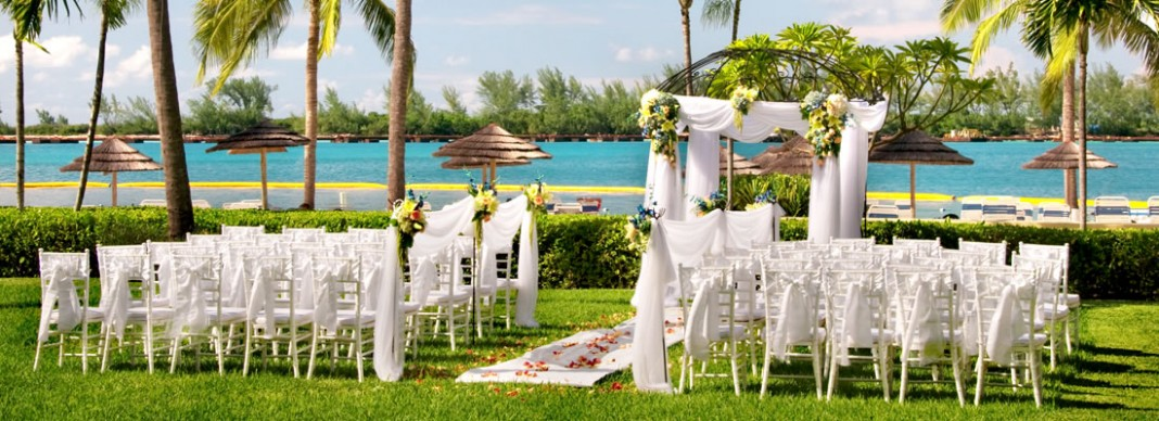 A Dreamy Destination Wedding in The Bahamas
