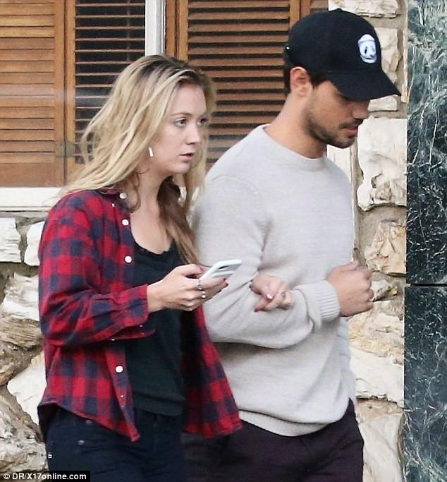Billie Lourd and Taylor Lautner Break Up After 8 Months of Dating