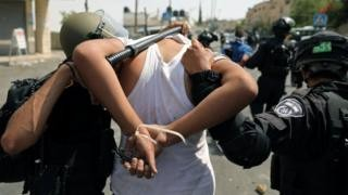 East Jerusalem: Clashes erupt amid holy site tensions