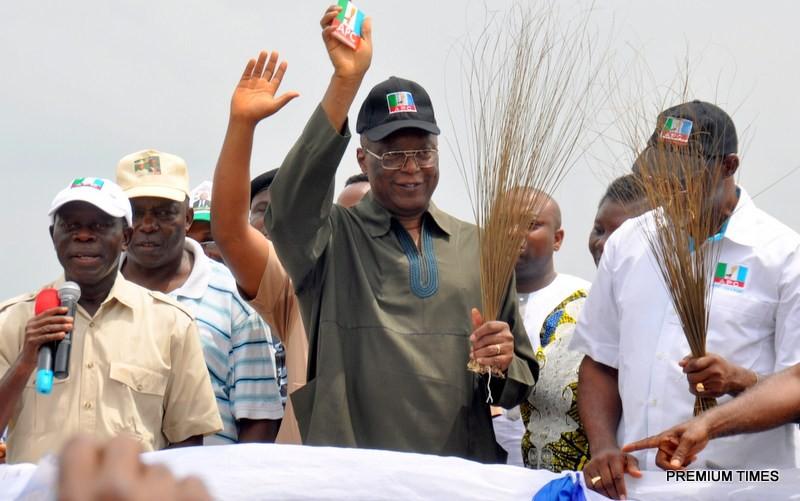 Edo APC lawmakers threaten to dump party