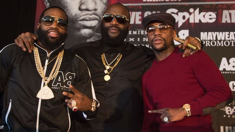 Floyd Mayweather to Adrien Broner: I'm Coming to Your Fight!