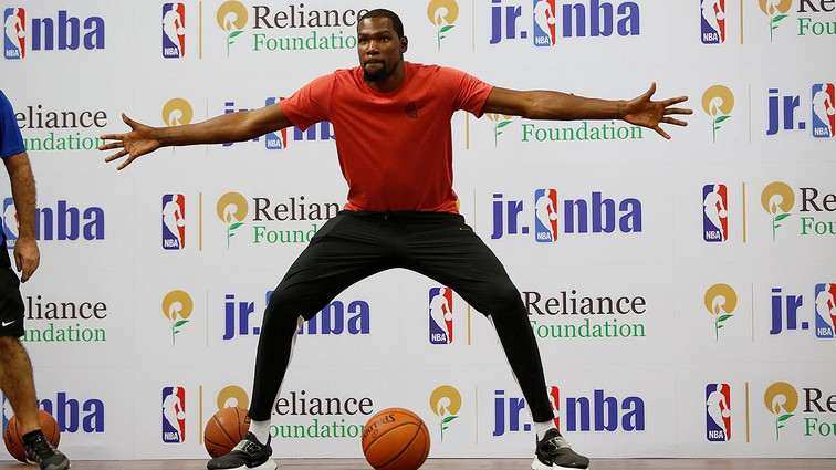 Golden State Warriors' Kevin Durant sets new Guinness World Records achievement in India