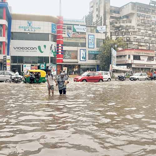 Gujarat floods: State govt takes disciplinary action against Panchayat Irrigation Department engineer