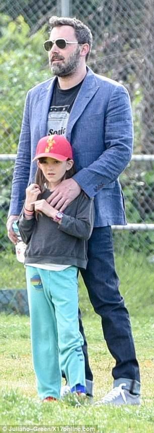 Jennifer Garner Is All Smiles Days After Ben Affleck Steps Out With Lindsay Shookus