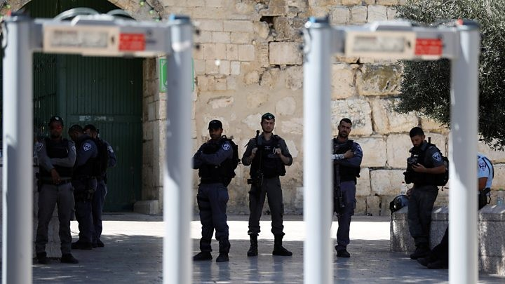 Jerusalem: Metal detectors at holy site 'could be removed'
