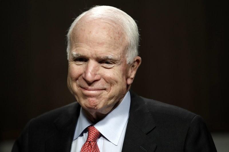 John McCain, with brain cancer, receives Congress ovation