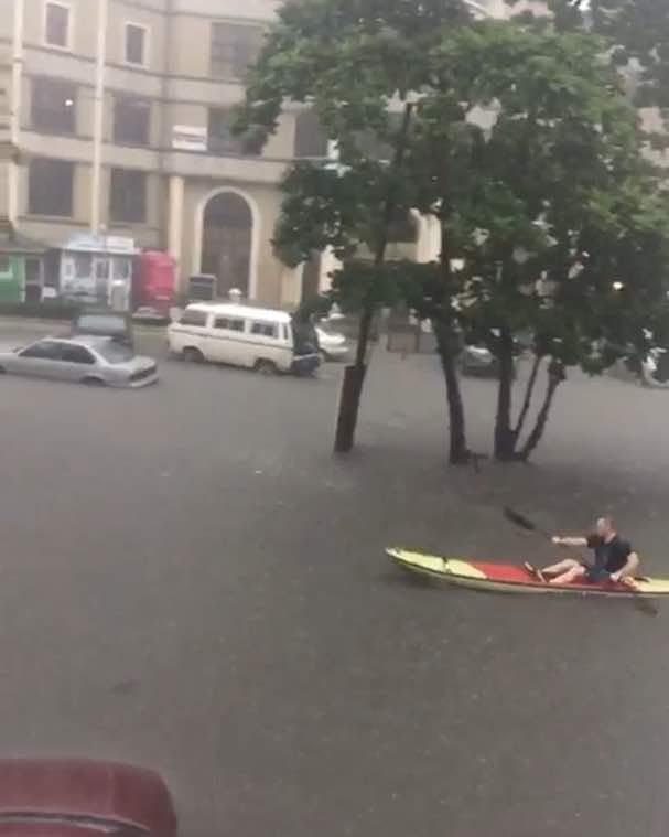 Lagos Police temporarily close Ahmadu Bello road following serious flood