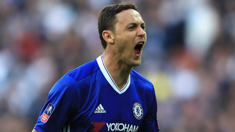 Nev: Matic would fit bill for Utd