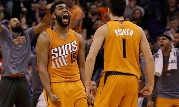 Phoenix Suns re-sign forward/center Alan Williams
