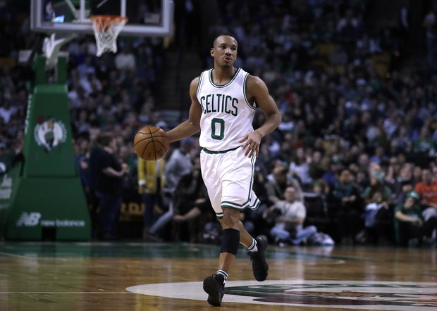 Reports: Detroit Pistons finalizing trade for Avery Bradley