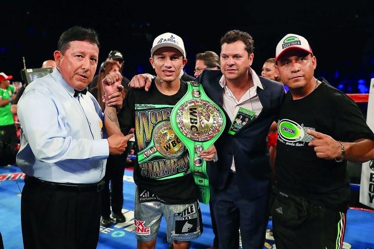 Scorecard: Berchelt dominates Miura, retains title