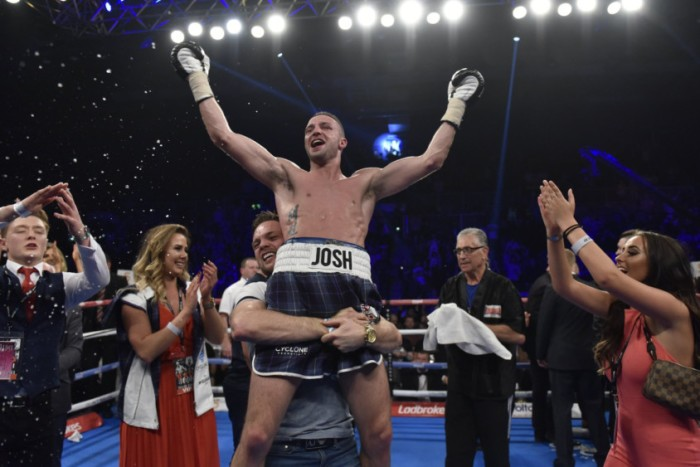 Taylor defeats Davies after stoppage