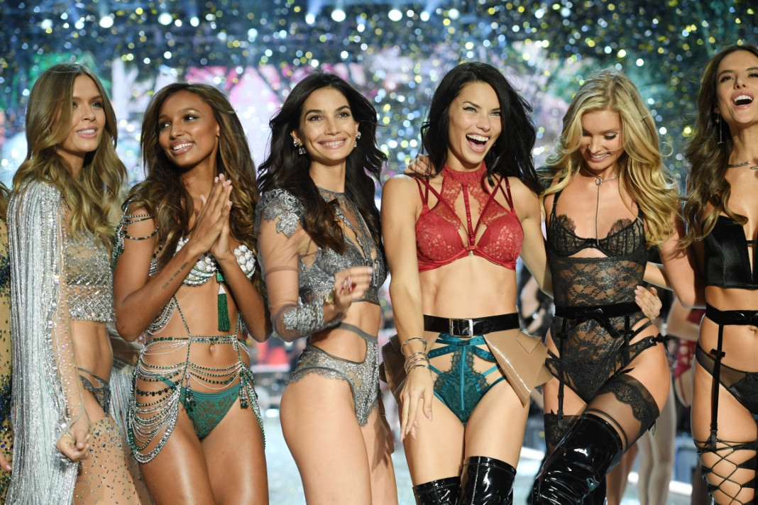 Here's Every Model Walking in the 2017 Victoria's Secret Fashion Show