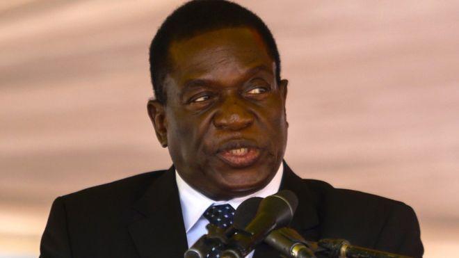 Zimbabwe politics: Mugabe sacks 'disloyal' Mnangagwa