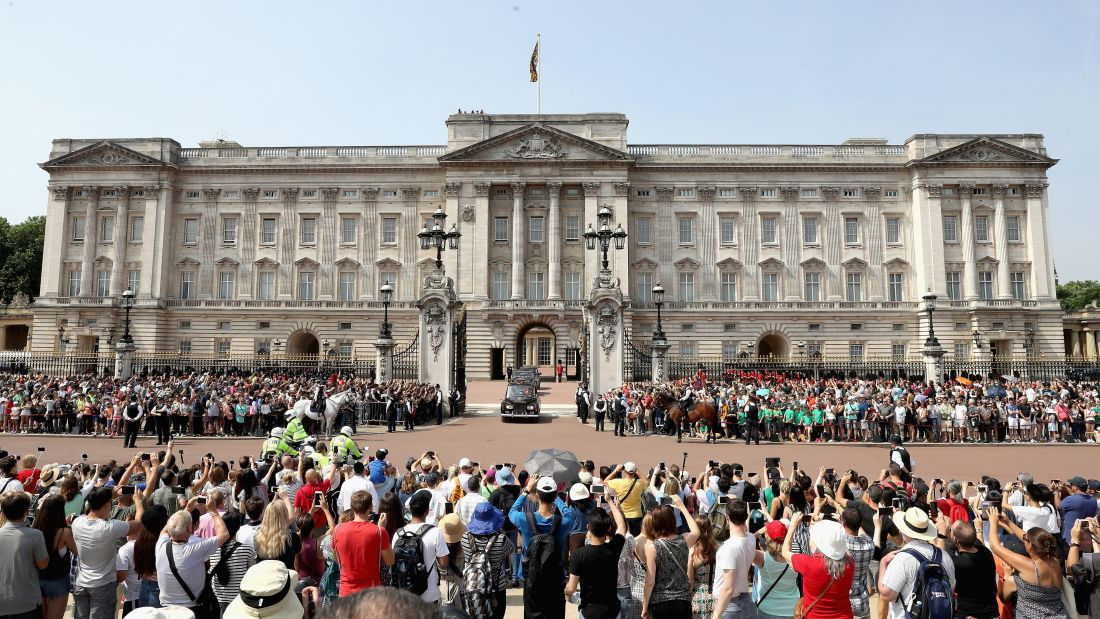 15 Highlights From The Buckingham Palace Tour