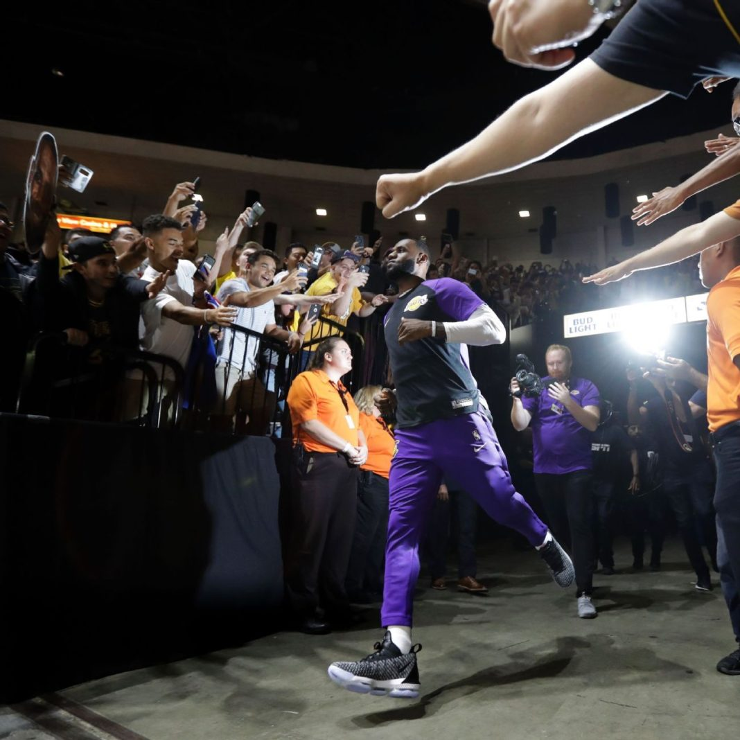 Crown the L.A. King: GMs predict LeBron as MVP