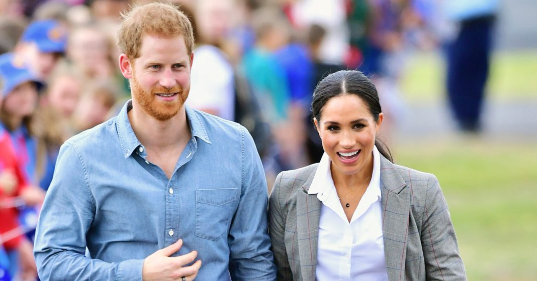Pregnant Meghan and Harry Arrive in Dubbo for Day Two of Royal Tour: Pics