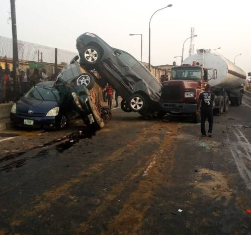 Petrol tankercrushes 5 cars on New Year's eve inLagos (Photos)