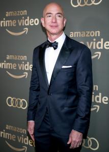 Jeff Bezos Wore Wedding Ring at Party With Lauren Sanchez Days Before Split