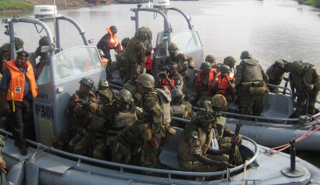 Nigerian Navy arrests smugglers, seizes 825 bags of rice in Kwara