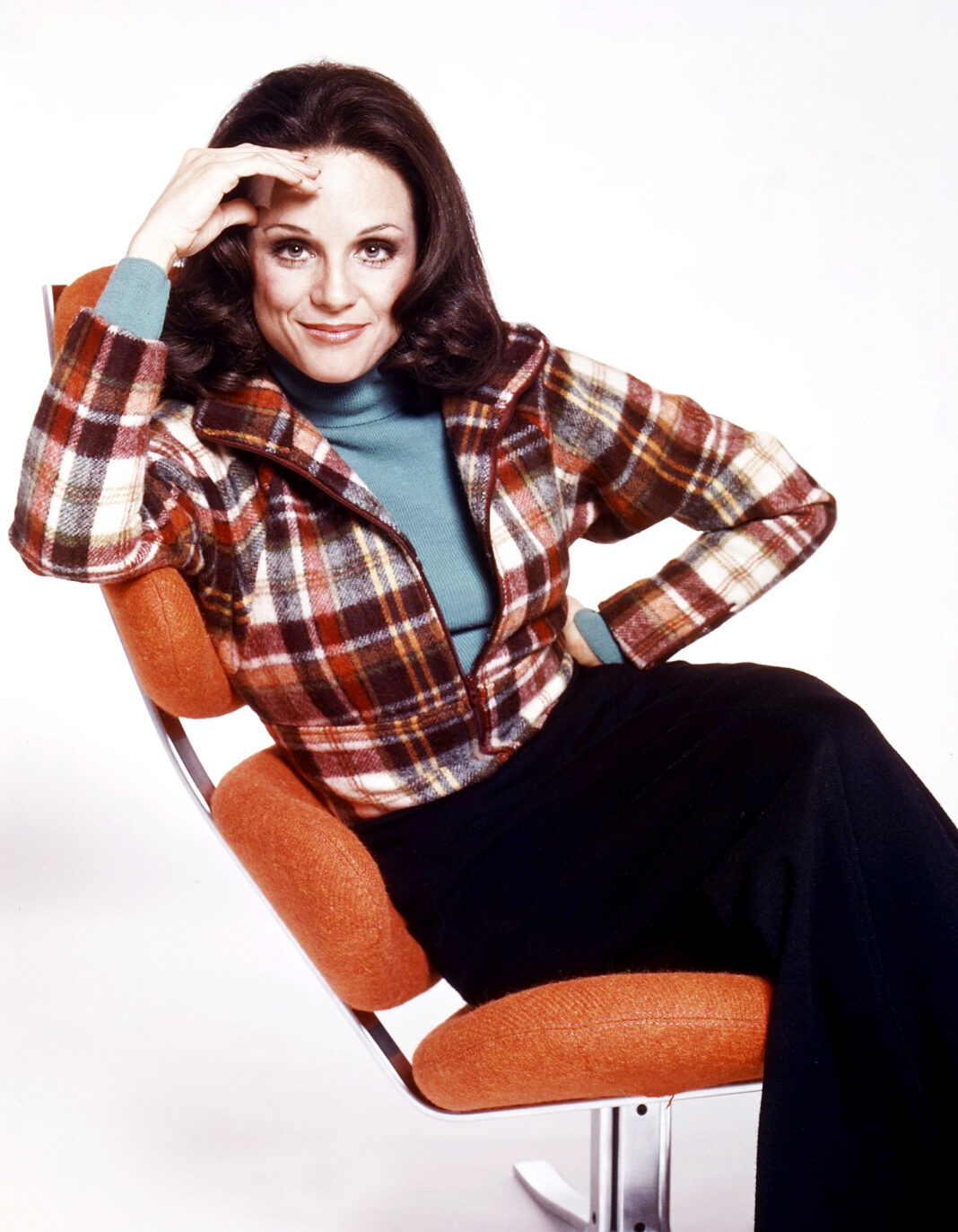 'Mary Tyler Moore Show' Actress Valerie Harper Dies at 80