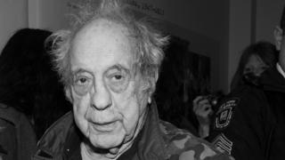 Robert Frank: Influential Swiss-American photographer dies at 94