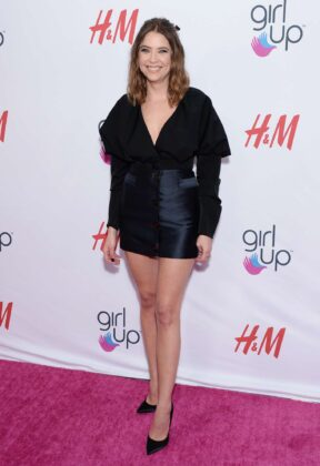 Ashley Benson – 2nd Annual Girl Up #GirlHero Awards in Beverly Hills