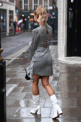 Ferne McCann – Leaves Kiss FM in London