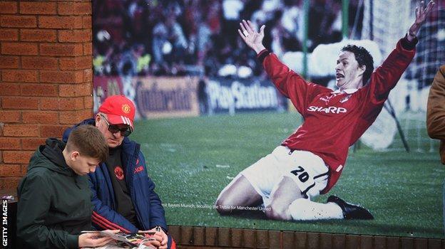 Football News : Should Man Utd keep faith with Ole Gunnar Solskjaer? Fans' verdicts