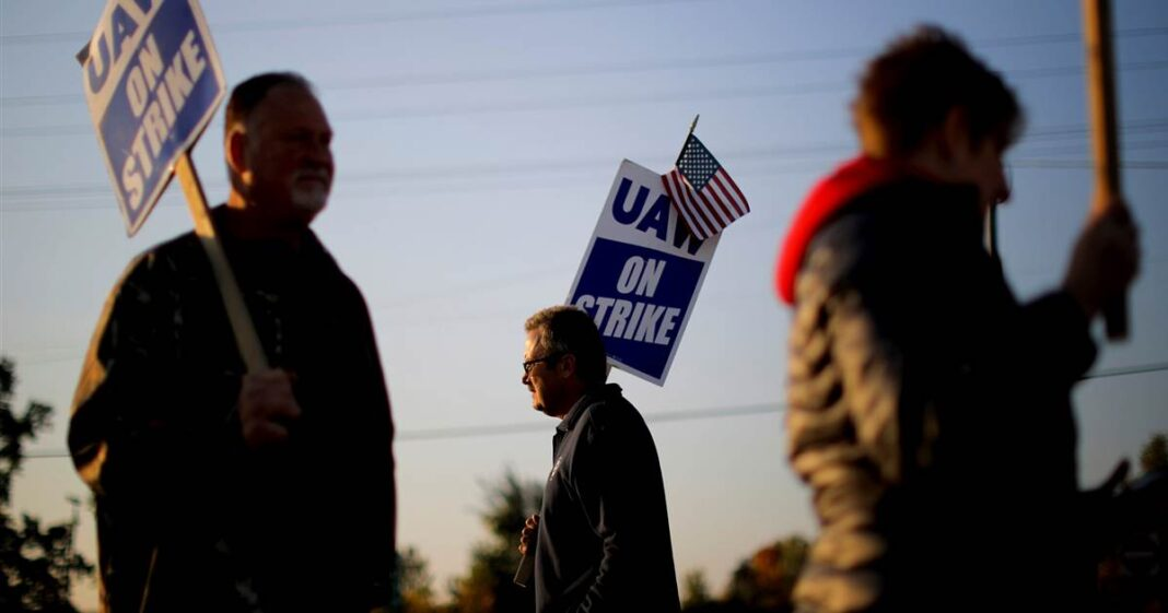 Ford avoided a lengthy strike — thanks to GM