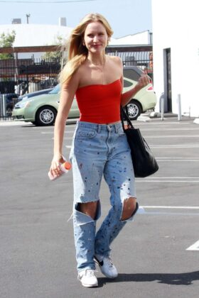 Sailor Brinkley Cook – Seen outside Dancing With The Stars rehearsal studios in Los Angeles