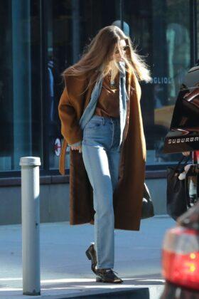 Gigi Hadid – Leaving her apartment in New York