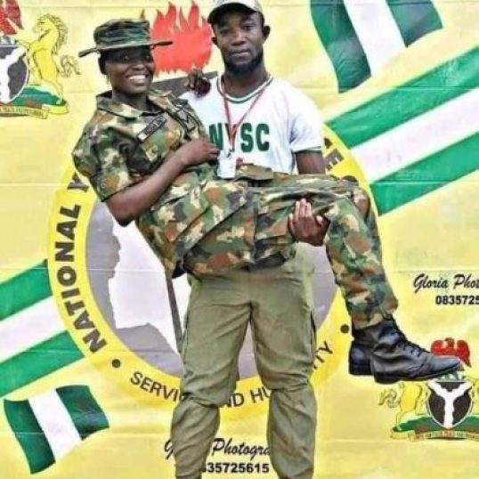 Photos: Corp Member Proposes To Female Soldier At NYSC Camp In Ebonyi State