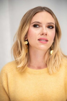 Scarlett Johansson – 'Marriage Story' Press Conference in Los Angeles