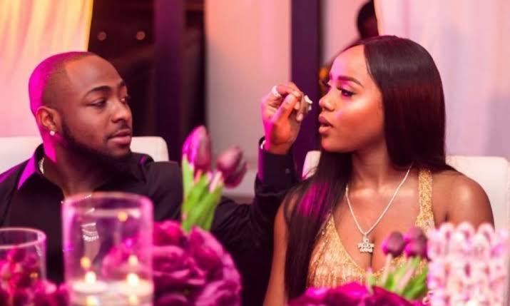 Fans Rejoices As Davido And Chioma Follow Each Other On Instagram Again