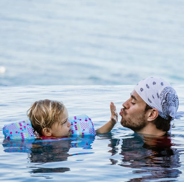 Enrique Iglesias the Singer-songwriter shares adorable photo of him with his daughter Lucy bonding together