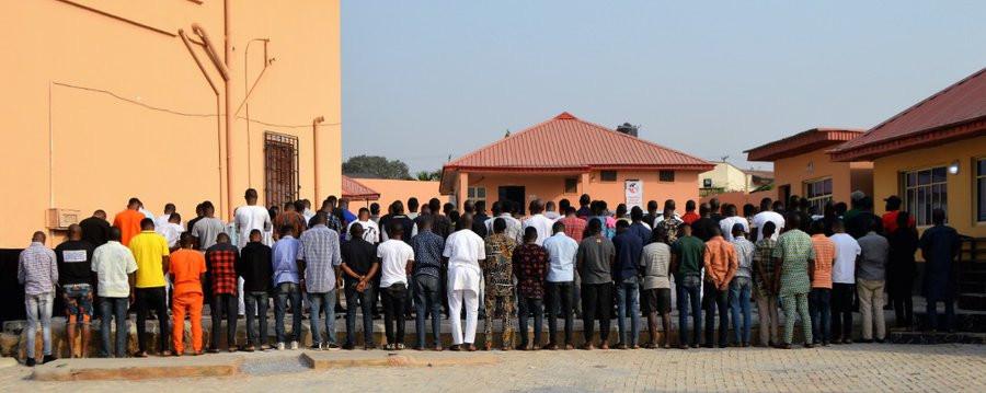 Nigerians slam EFCC over arrest of suspected yahoo boys at popular Ibadan nightclub lindaikejisblog